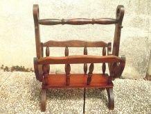 porte  revue  en bois , vintage