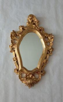 Miroir ancien en plâtre