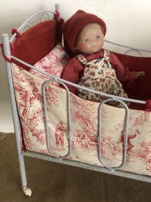 Lit de poupée, jouet ancien