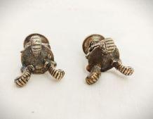 Petot bougeoir en métal ancien