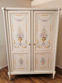 Armoire style ancien