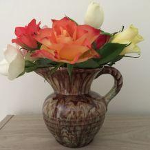 """Pichet vintage en céramique """"marbrée"""" et glacée de couleurs"""