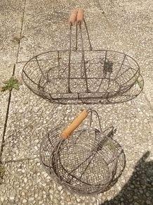 2 paniers en  metal  grillagé