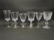 6 anciens verres à pied dépareillés