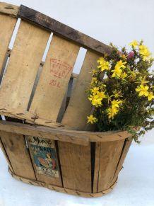 Cageots anciens, caisses de fruits ou légumes