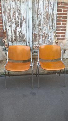 paire de chaises de Giancarlo Piretti 1970