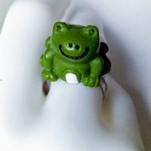 Bague réglable lac de fée à la grenouille prince