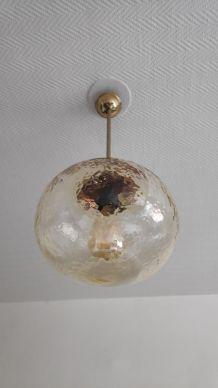 suspension vintage globe en verre ambré