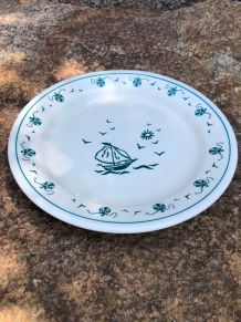 Assiette à potage décor de bateau