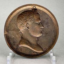 Médaillon Napoléon 1er en fonte