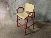 Chaise haute d'écolier