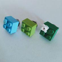 Pin's Lego, lot de 3 en vert et bleu, cravate, veste
