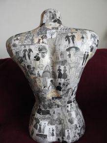 Buste femme ,collage vintage magazine présentoir de collier,