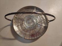 serviteur en métal argenté avec 5 raviers en verre taillé