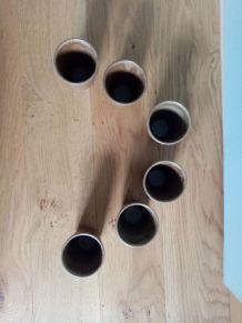 Tasses ou verres en grès émaillée