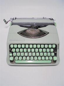 Machine à écrire Hermès Baby verte 1960