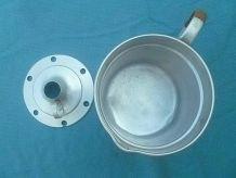 pot ,bouilloire a lait en alu , vintage