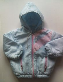 Manteau à capuche  taille 18 mois