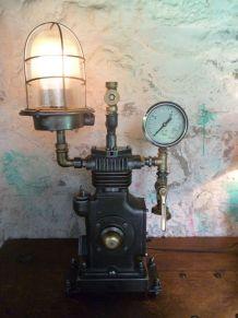 LAMPE INDUSTRIELLE - STEAMPUNK - COMPRESSEUR -