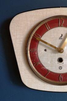 """Horloge formica vintage pendule silencieuse """"Jaz jaune pâle"""""""