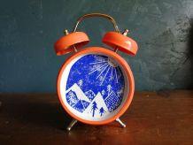 """Cadre déco réveil vintage montagne """"Altitude Orange Bleu"""""""