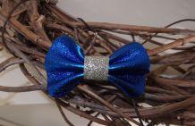 Barrette nœud en cuir bleu métallisé et argenté pailleté