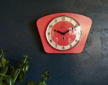 """Horloge formica vintage pendule silencieuse """"Bayard rouge"""""""