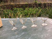 4 verres à liqueur