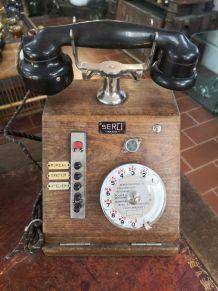 Téléphone en bois