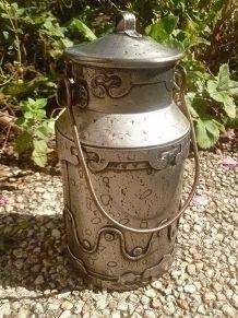 bidon  en métal  argenté ,  vintage