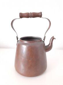Theiere bouilloire vintage,métal et poignée en bois