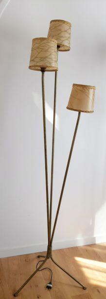 Lampadaire tripode années 50,métal doré