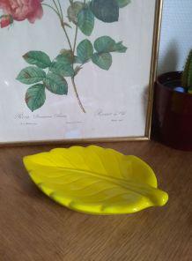 Feuille en céramique jaune