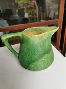 Cruche vert vintage, hauteur 17, 5 cm.