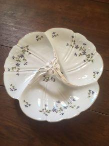 Plat de présentation ou de service en porcelaine de Limoges.