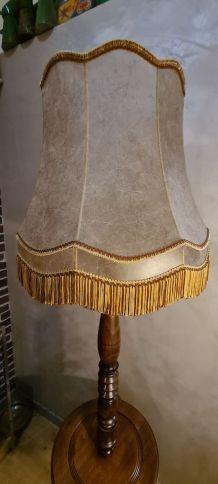 lampadaire bois tourné  1940 a 50    tres beau 190cmx50cm