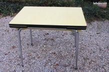 Authentique table formica années 60/70.