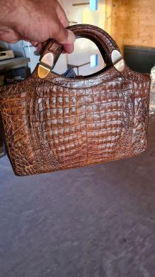 Sac à main de femme crocodile Vintage Très bonne éta année