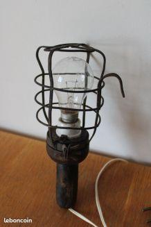 Lampe baladeuse industrielle Atrow années 40/50