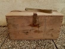caisse  a outils en bois , vintage