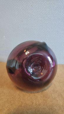 carafe violette en verre soufflé