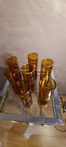 7 verres ambrée et dorure et ciselé 18x5 , 1960