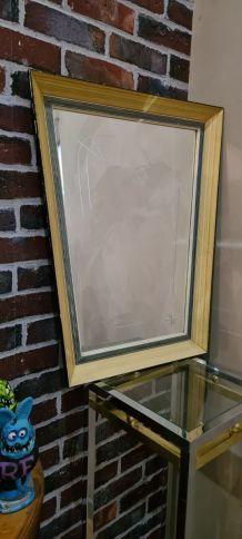 miroir asymétrique ciselé de motif  typique 1950 a 60   ,52x