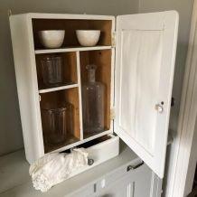 Armoire de toilette, à pharmacie des années 60