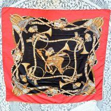 Foulard polyester décor selle de cheval