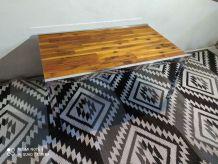 Ancienne Table basse année 70 avec pied chrome en bon état