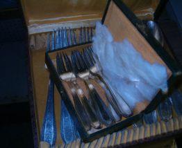 Coffrets de 40 couverts en métal argenté - TBE