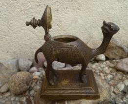 chameau en laiton monté sur  socle