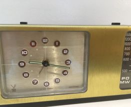 Ancien poste de radio-reveil