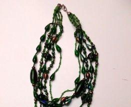Collier vintage multirangs en perles de verre